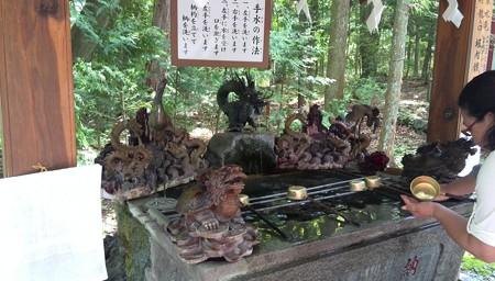 手水@新屋山神社