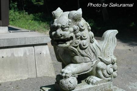 神社の獅子