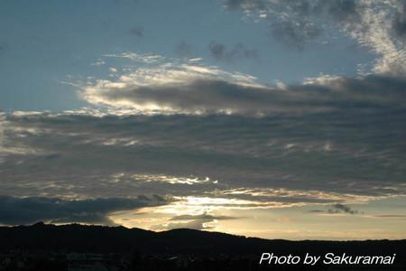 残暑の暗雲