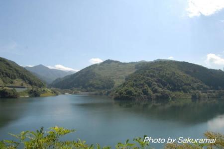 里山のダム