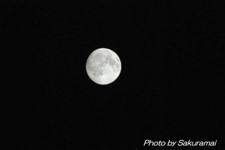 雲が晴れた中秋の名月