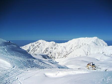 雪の立山(7) 銀世界と日本海