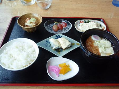 身延駅前の食事