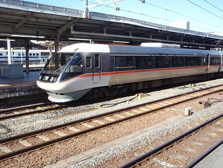 383系(ワイドビューしなの・名古屋駅)