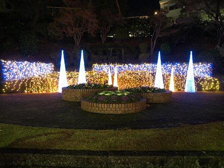 飾り物2(玉川学園駅前)