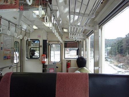 キハ11名松線の車内