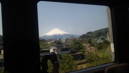 快速「お座敷富士芝桜号」の車窓
