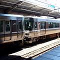 写真: 223系(新大阪駅)