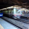写真: HOT7000系と223系(新大阪駅)