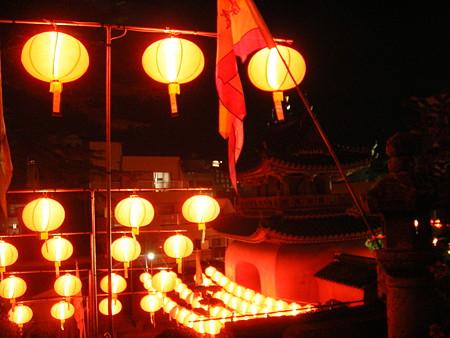 赤門と提灯
