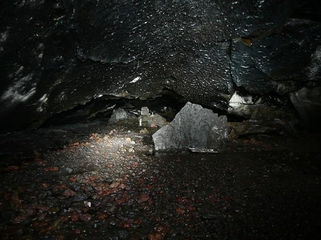人穴洞穴最深部