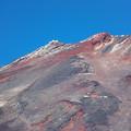 写真: 去年の初冠雪富士…南側から山頂へズームイン