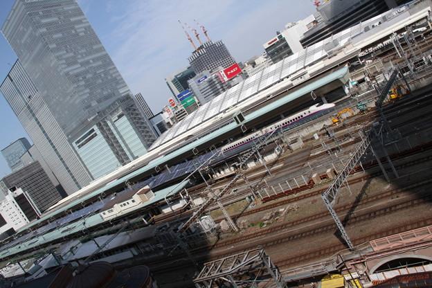 JPタワーから、東京駅ホーム全体 5月1日