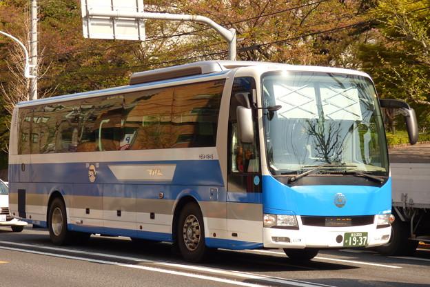 Photos: 近所に「国鉄バス」現る