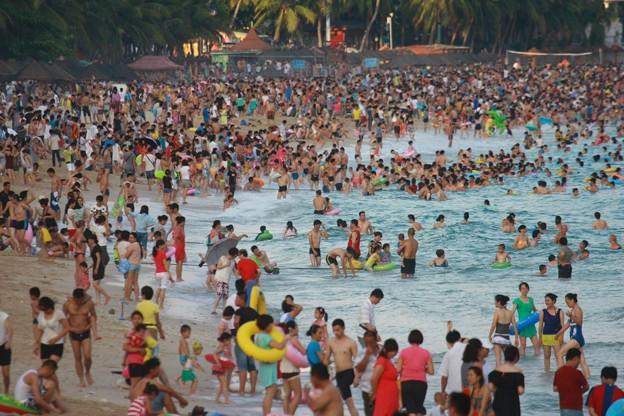 中国のハワイ 海南島で海水浴~~ (1)