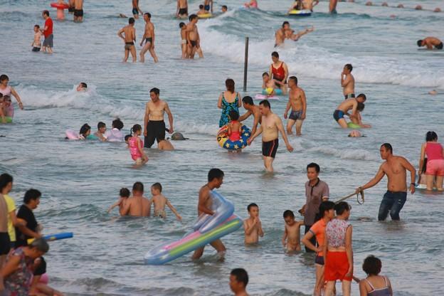 中国のハワイ 海南島で海水浴~~ (7)