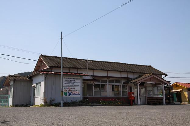 写真: 水郡線 東館駅