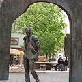 写真: モスクワの有名な歌い手さんの像