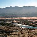 写真: ムザルト川