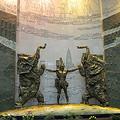 写真: 河南博物院・エントランスのモニュメント