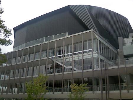 アリオス大ホールを外から見る