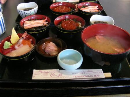寺泊「汐の華」の三色丼
