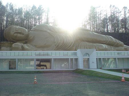 ナゾの涅槃像