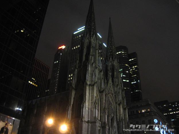 Cartierの側にあった怪しい教会