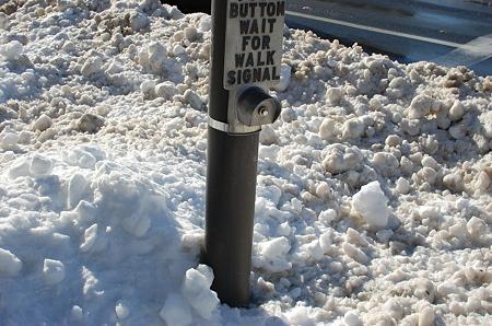 横断歩道の押しボタン