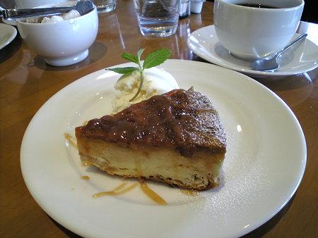サツマイモプディングケーキ