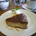 写真: サツマイモプディングケーキ