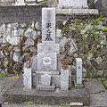 写真: お墓掃除ビフォア