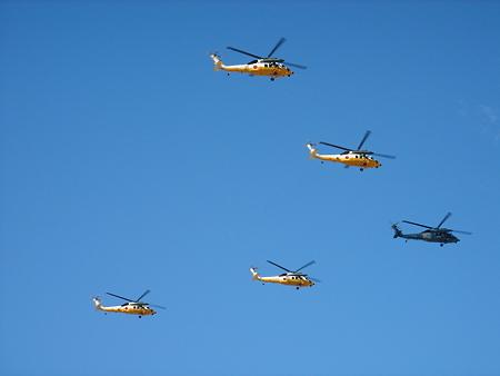 UH-60J 5機編隊飛行 DSC09675