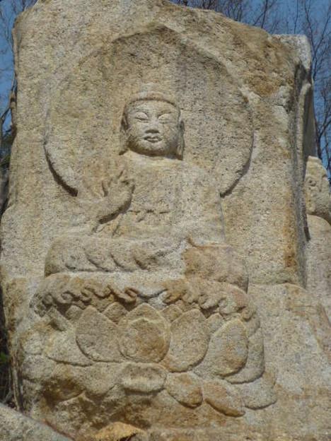 七仏庵磨崖仏像群四方仏~韓国慶州 One of  four Buddhist ima-ges