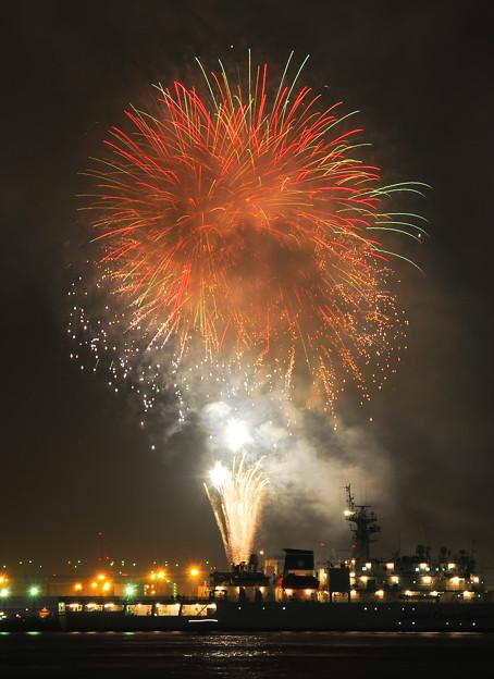 船上の花火(fireworks)