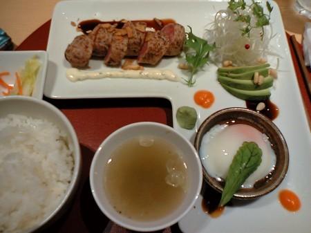 新宿 ヒサマズキッチン カコウ 中トロまぐろのタルタルご膳