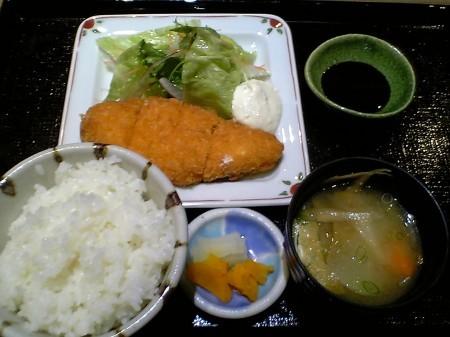 大阪 京橋 コムズガーデン 豆助 ランチ