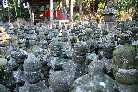 2009.01.17 鎌倉 杉本寺 五輪塔群