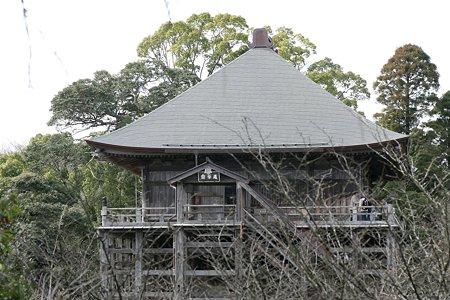 2009.02.28 笠森観音 観音堂(四方懸造)鐘楼堂より