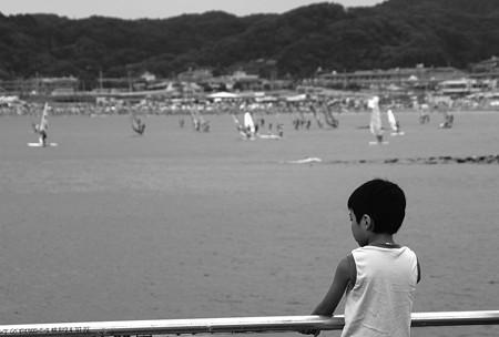 海を見る少年・・