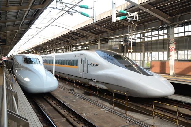 N700系S14編成さくらと700系E5編成Rail Star