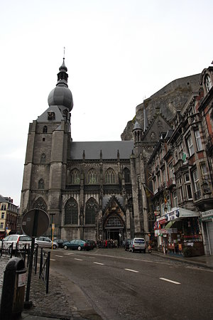 教会と城壁