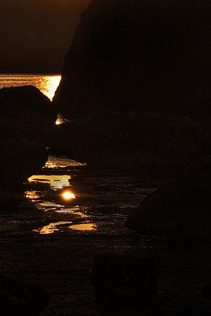 岩間の朝陽