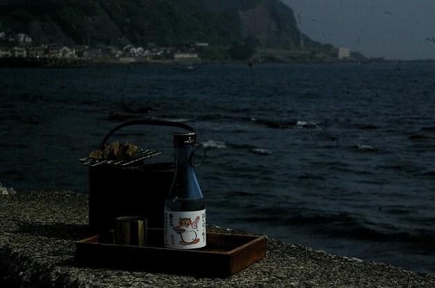 海辺の燗銅壺