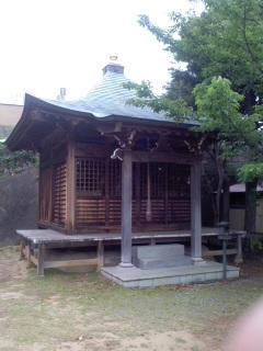Photos: 下郷子育地蔵尊(5月28日、西立寺)