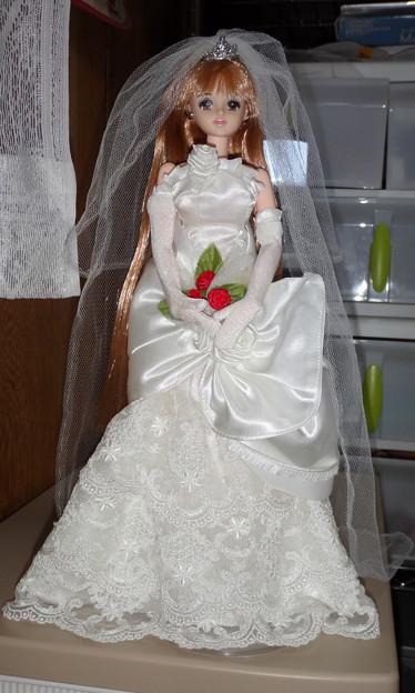 """ウェディングドレス""""ローズ リエール""""姿のファーストジェニー"""