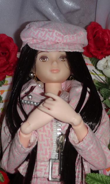 J5ジェニーファッションウェアを着た棺の中のREINA(アップ)