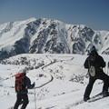 立山 下は雪の大谷 2010-4-25