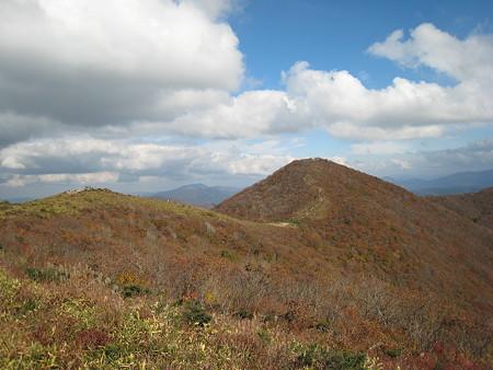 池の段からの景色2(立烏帽子山への縦走路)